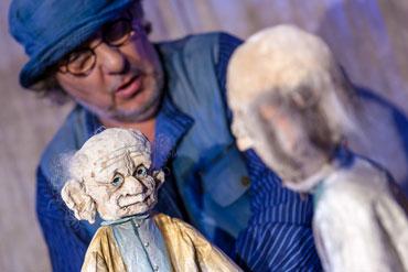 Der Hundertjährige, der aus dem Fenster stieg und verschwand | Theatrium Steinau